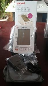 Máy đo huyết áp gia đình Yuwell YH680A